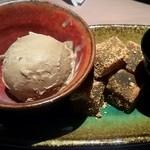 名古屋手羽先 もも焼き 唐揚げ 爽鶏屋 - ほうじ茶アイスとわらび餅