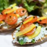 ユカフェ - 料理写真:鱈のブランダードと菜の花、プチトマトの彩りオープンサンド