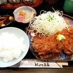 とんかつ三太 - 彩の国黒豚ロースカツ食事付 2,800円