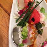 49896234 - ドレッシングたっぷりご飯…あ、間違った 地魚のカルパッチョ丼