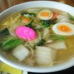 マルヨ食堂 - 五目ラーメン 600円 具沢山でしみるお味!