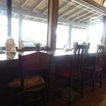 ケーキ工房フリアンナカムラ - 窓からは鳥海山が見えます