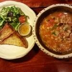 陶之助+ - ☆ 野菜たっぷりスープのランチ ¥1300… 朝取り野菜と 具沢山な ミネストローネ風のスープ、そして エビトースト。小皿に添えられた  自家製?オリーブオイルみたいなものが  すごく美味しかった!