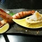 すえ廣和食房 - 大きいエビとタマゴ焼きの中にはなんとウナギが入っております!