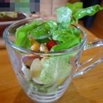 ラ・カシェット 花花 - サラダはグラスに