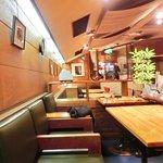 49898942 - 店内のテーブル席の風景です