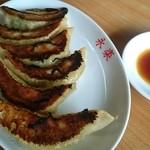 中華の永楽 - 餃子。
