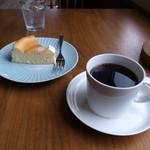 喫茶 チャノマ - 料理写真:チーズケーキとブラジル