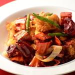 光琳 - 揚げ鶏のピリパリ唐辛子炒め