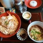 和の台所 なだまん - 合い盛り丼 サービスセット