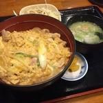 古都うどん店 - 親子丼味噌汁セット  おいしく頂きました (*´ڡ`●)