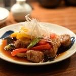酢重ダイニング 六角 - 彩り野菜と豚肉の黒酢炒め