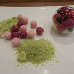 モンプチコションローズ - 28年4月 ブランマンジェ、苺・ラズベリーシャーベット、抹茶