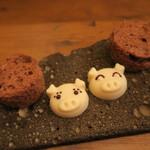 モンプチコションローズ - 28年4月 豚チョコとチョコスポンジ