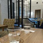横町カフェ - 日本三大七味 根元「八幡屋礒五郎」横町カフェ