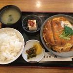 49930252 - カツ煮定食                       950円                       2016.4