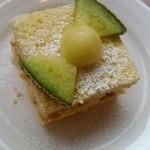 メロン ハウス かわぐち - メロンケーキ