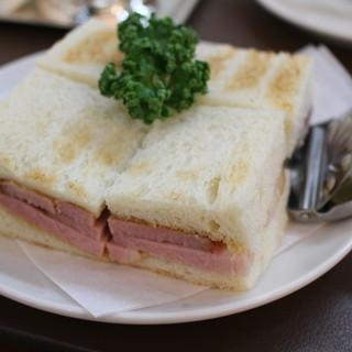 ウエスト ベイカフェ ヨコハマ - 料理写真:ホットハムサンド