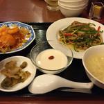 皇雅 - エビチリと青椒肉絲ランチ