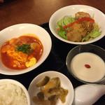 皇雅 - 卵のチリソースと油淋鶏ランチ