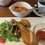 つつじ亭 - 大きなメンチカツのランチ、サラダ、前菜、スープ、珈琲(2016年4月)