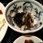 居酒屋ダイニング ミスターサンペイ - 小鉢 山菜