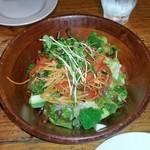 49950990 - フレッシュサラダ しゃきしゃきの野菜にて