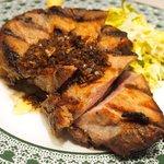 49955588 - ガリシア栗豚のハーブロースト(150g) 1000円 のエシャロットバルサミコソース
