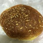 阪急ベーカリー&カフェ - 阪急大食堂の焼きカレーパン☆なのであーる
