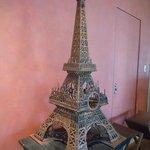 ブノワ - エッフェル塔の模型!木製です。