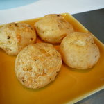 ブノワ - グジェール。パルメザンチーズの風味のするシューです。
