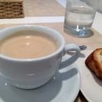 ポルト ポルテ - 食後にいただいたコーヒー、パンはお代わりしました