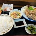 いさみ寿司 - 唐揚げ定食 ここの唐揚げは大きくてジューシー。ボリューム満点です。