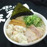 背脂醤油ラーメン まる星 - 料理写真:
