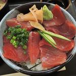 49966816 - 「マグロ丼」880円