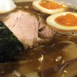 麺者 服部 - 煮干し系のこってりスープ