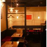 ツイテル 和 - 2階テーブル席は、古民家風。
