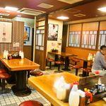 お好み焼 みっちゃん総本店 - 店内(テーブル席)