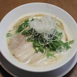 麺本舗やまと - 料理写真: