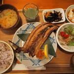 パレット食堂 - 漁師さんのお魚セット880円