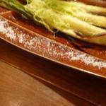 トラットリアバールイタリアーノ レガーミ - 皮付きヤングコーンの炙りを塩で