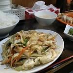海月 - 肉野菜炒め定食500円