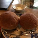 ワインとお宿 千歳 - 米粉のパン