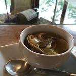 ワインとお宿 千歳 - 天橋立産あさりのスープ