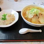 川花 - 料理写真:2016年4月 チャーハンラーメンセット・ラーメン大盛り