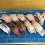 49997317 - 地魚にぎり 5種10貫(汁付) 2160円(税込)