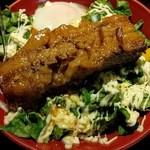 マハロ - 大きめな豚の角煮が印象的… マヨネーズと相まって脂天国ですね(^_^;)
