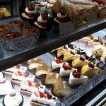 50002228 - ケーキ陳列
