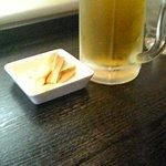 麺家 大国 - 生ビールと付きだしのメンマ