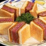 ビーハイブ - 料理写真:ビフカツサンド